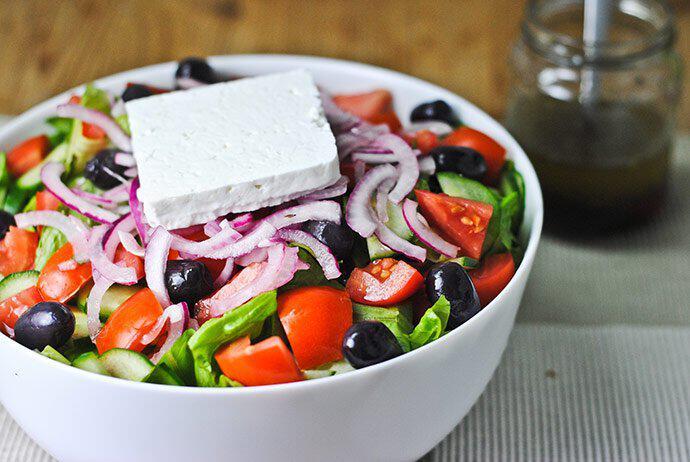 greek_salad_yunan_salatasi_yunanistan  Yunanistan'da Tatmanız Gereken 10 Lezzet greek salad yunan salatasi yunanistan