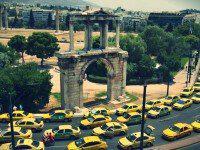 Atina'da Taksi ile Seyahat: Ücret ve Tarifeleri