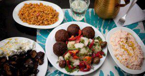 Atina'yı Yerel Tatlar ile Öğrenin – Atina Yemek Turu